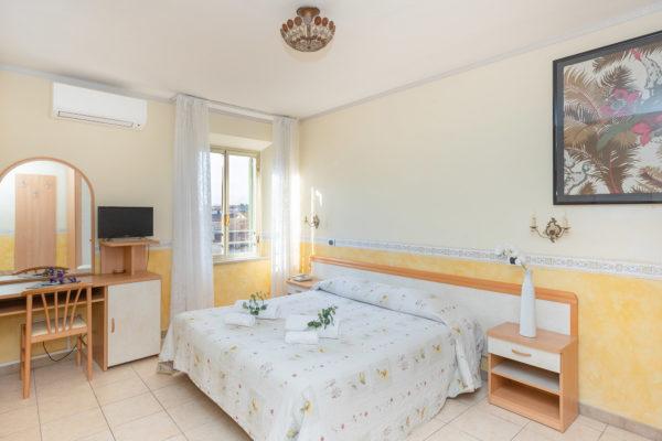hotel-tazza-d-oro-camera1