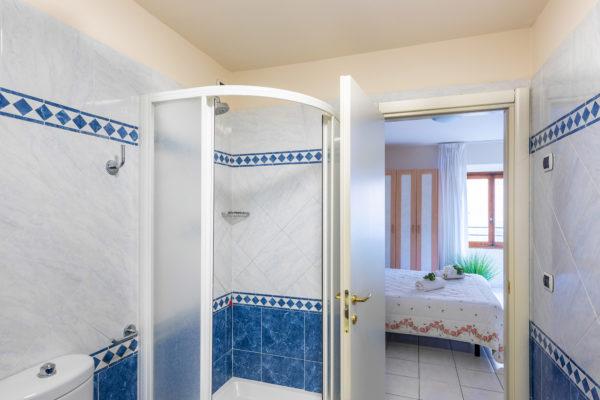 hotel-tazza-d-oro-toilet3